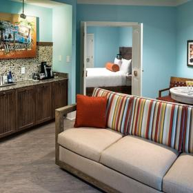 Margaritaville Island Hotel Pigeon Forge — Living Area