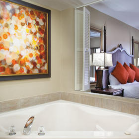 Wyndham Palm-Aire Whirlpool Bathtub