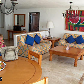 Krystal International Vacation Club - Living Room