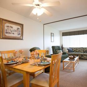 Harder Hall Lakeside Villas — Dining Area