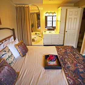 Holiday Inn Club Vacations Piney Shores Resort Bedroom