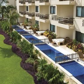 Dreams Riviera Cancun Resort and Spa — Plunge Pool