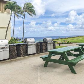 The Point at Poipu — Grilling Area