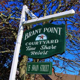 Brant Point Courtyard — Entrance