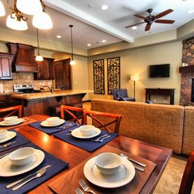 Canyon Villas at Coral Ridge — Dining Area