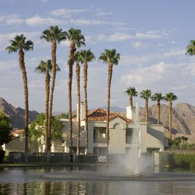 Desert Breezes Resort Exterior