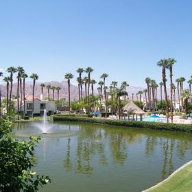 Desert Breezes Resort Lake
