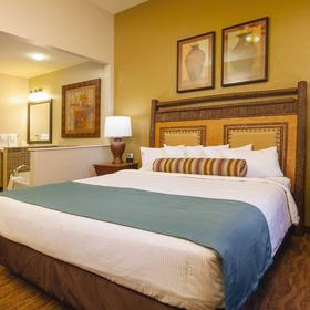 Wyndham Vacation Resorts at Glacier Canyon — Bedroom