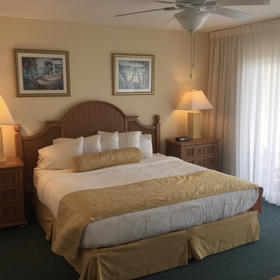 The Charter Club of Marco Beach Bedroom