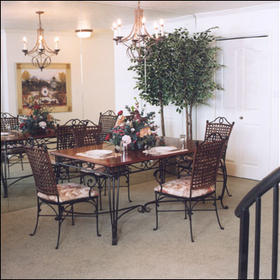 Wintergreen at Midway - Unit Dining Area