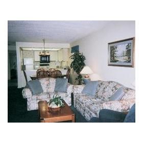 Laurel Point Resort - Unit Living Area