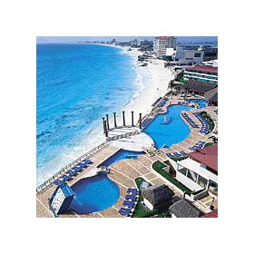 Krystal International Vacation Club Cancun — - pool and beach