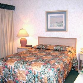 Links Golf and Racquet Club - bedroom