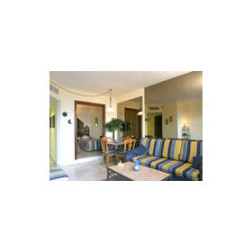 Royal Gardens at Sunset Beach Club — - Unit Living Area
