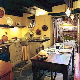 Unit kitchen at Borgo di Vagli