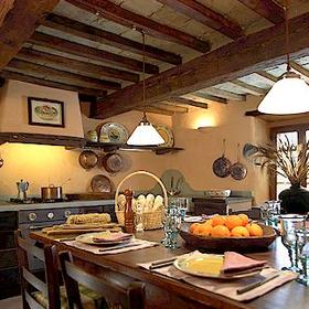 Unit dining room and kitchen at Borgo di Vagli