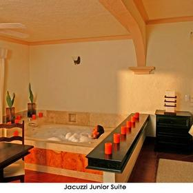 El Dorado Seaside Suites - Jacuzzi Tub