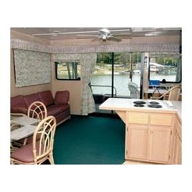 Grand Houseboat Vacation Club - Cabin Interior