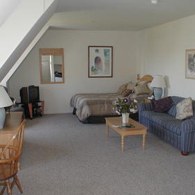 Montauk Manor — - Unit Living Area