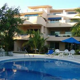 Porto Bello Marina & Villas — - Pool