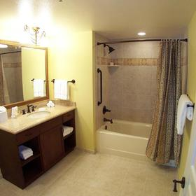 Marriott's Grand Chateau - Unit Bathroom