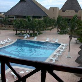 Reef Yucatán All Inclusive Hotel & Convention Center — Reef Yucatán - pool
