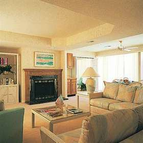 Four Seasons Racquet & Country Club — Room at the