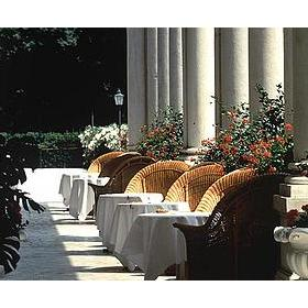 Hotel Des Bains — Outdoor patio at the