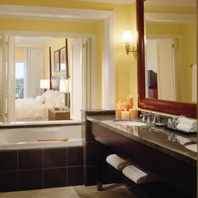 The Westin Kaanapali Ocean Resort Villas — Bathroom