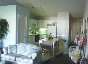 Presidential Villas at Plantation Resort - Unit Dining Area & Kitchen