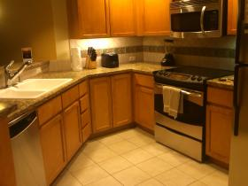 Granite/stainless + fullsize fridge and washer/dryer