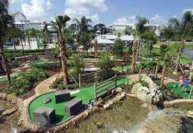 Outdoor waterpark and miniature golf