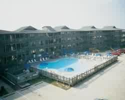 Outer Banks Beach Club - Courtyard
