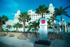 Royal Palm Club at the RIU Palace Aruba