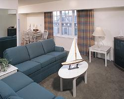 Room at the Wyndham Long Wharf