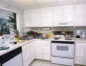Charter Club Resort on Naples Bay - Unit Kitchen