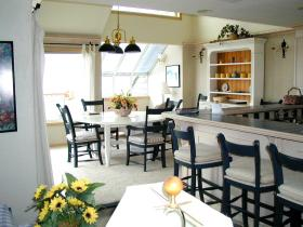 Penthouse Dining Area at Point Brown Resort