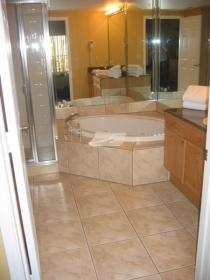 Silver Lake Resort - Unit Bathroom