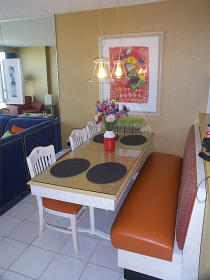 Villas at the Boardwalk - Unit Dining Area
