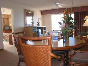 Ka'anapali Beach Club - unit dining area