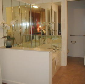 Wyndham Bentley Brook - Unit Bathroom