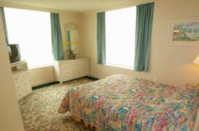 The Cove on Ormond Beach - Bedroom