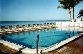 Kahlua Beach Club - Pool
