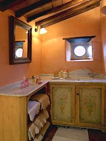 Unit bathroom at Borgo di Vagli