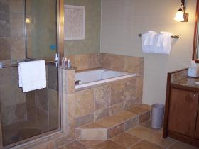 Ka'anapali Beach Club - unit bathroom