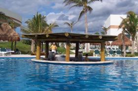 Swim-up bar at pool